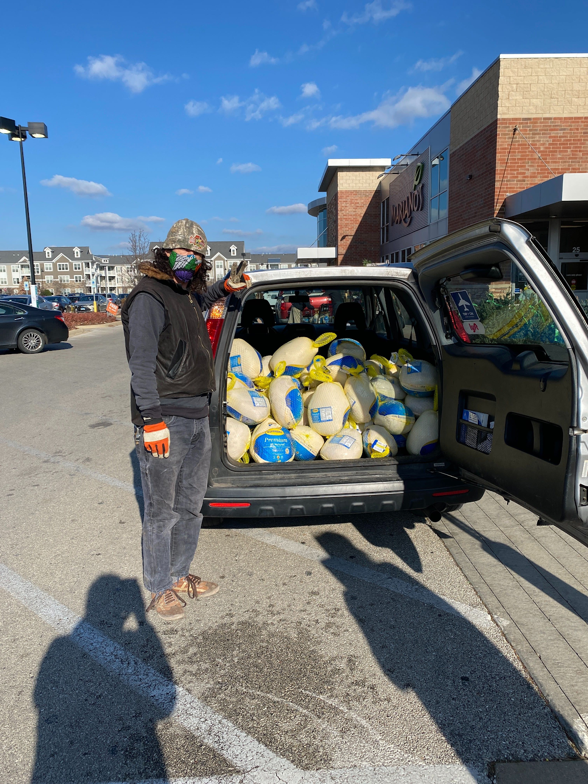 Humboldt Park Solidarity Network delivered 60 donated turkeys the week of Thanksgiving!
